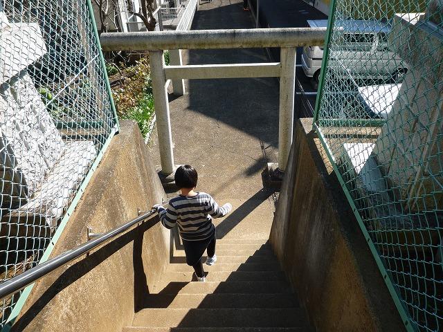 P1030851子神社階段.jpg