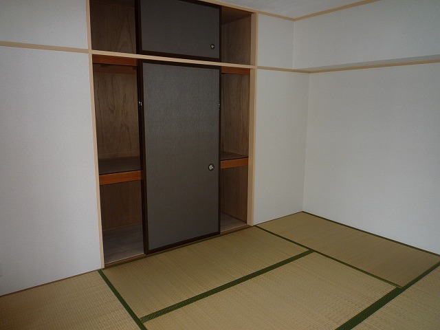 P1040108 803和室.jpg